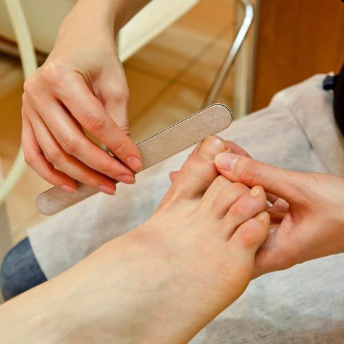Sistema preventivo de la curvatura de las uñas